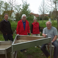 Gerhard Schulzki, Dieter Sölllner, Barbara Nikola-Bier, Günter Nicola am Wasserspielplatz in Volkach
